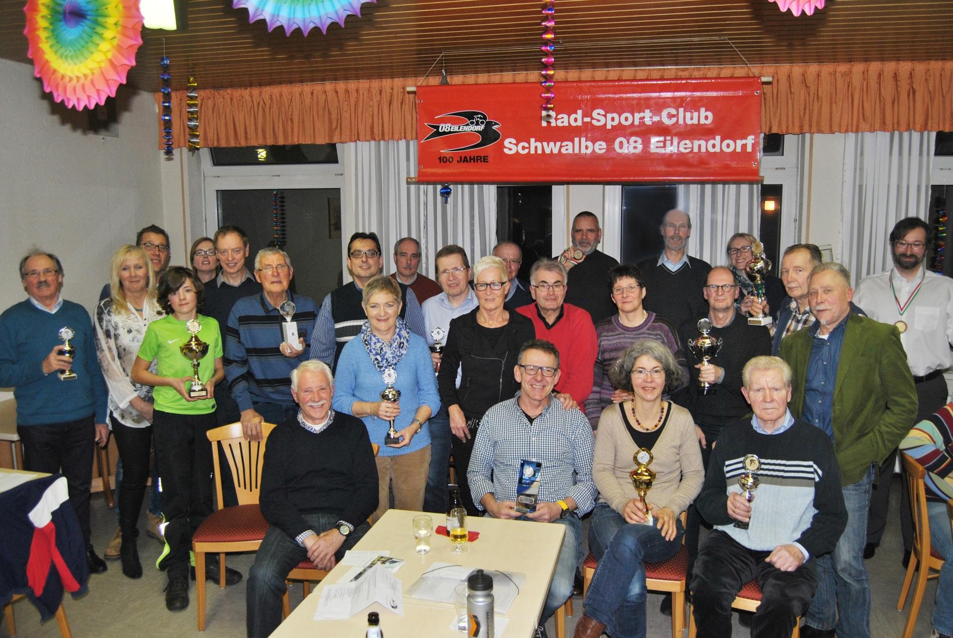 Jahreshauptversammlung 2016: Vorstand und geehrte Sportler